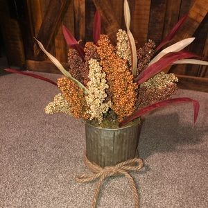 Decorative tin canister